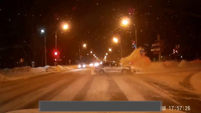ДТП Авария Архангельское шоссе Юдина Северодвинск красный свет