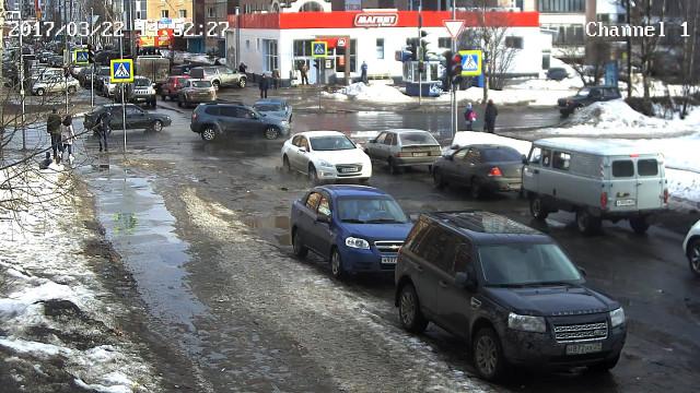 ДТП, Авария, Архангельск, Гайдара, Обводный, перевернулся