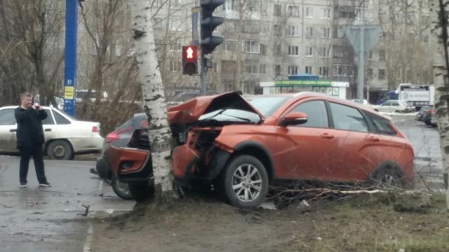 ДТП, Авария, Архангельск, Vesta