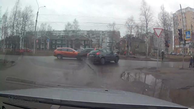ДТП, Авария, Архангельск, Гагарина, не уступил