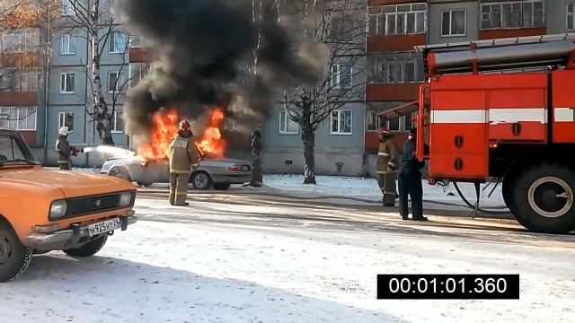 Пожар, автомобиль, Онега, Архангельская область