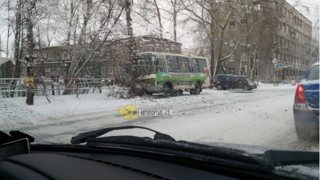 ДТП Авария Урицкого Новгородский Архангельск ПАЗ
